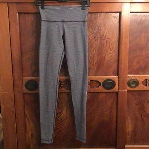 Lululemon gray stripe reversible full legging sz 6